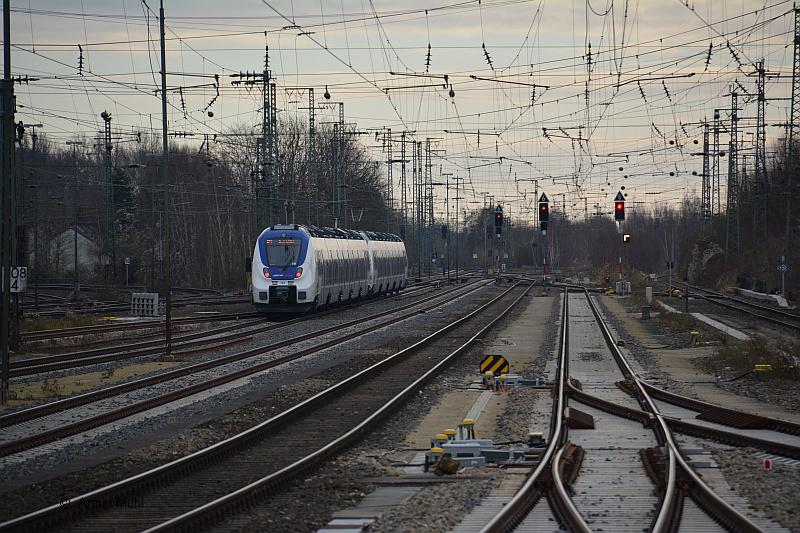 http://www.muehlenroda.de/bahnbilder/2015_12/DSC_2841a.JPG