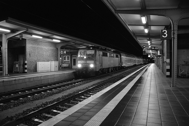 http://www.muehlenroda.de/bahnbilder/2015_12/DSC_3442a.JPG
