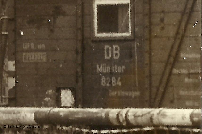 http://www.muehlenroda.de/dso_hifo/Bahnuebergang_Rodde_bauzugwagen2.jpg